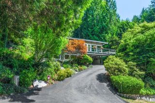 Main Photo: 2120 28TH STREET in West Vancouver: House for sale : MLS®# R2604045