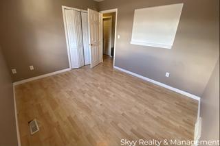Photo 16: University Ave in Edmonton: House Duplex for rent