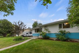 Photo 2: 21 Cadogan Road NW in Calgary: Cambrian Heights Detached for sale : MLS®# A1138716