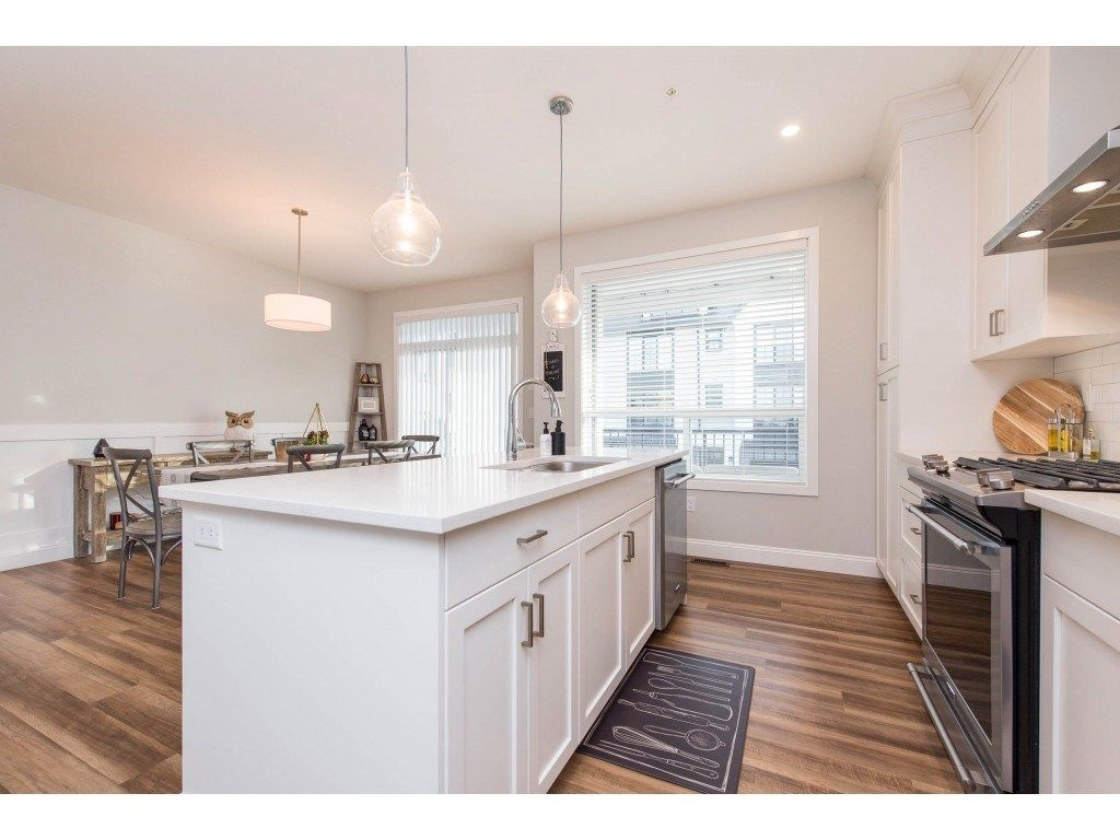 """Photo 10: Photos: 5488 DRIFTWOOD Street in Chilliwack: Vedder S Watson-Promontory Condo for sale in """"WEBSTER CROSSING"""" (Sardis)  : MLS®# R2527096"""