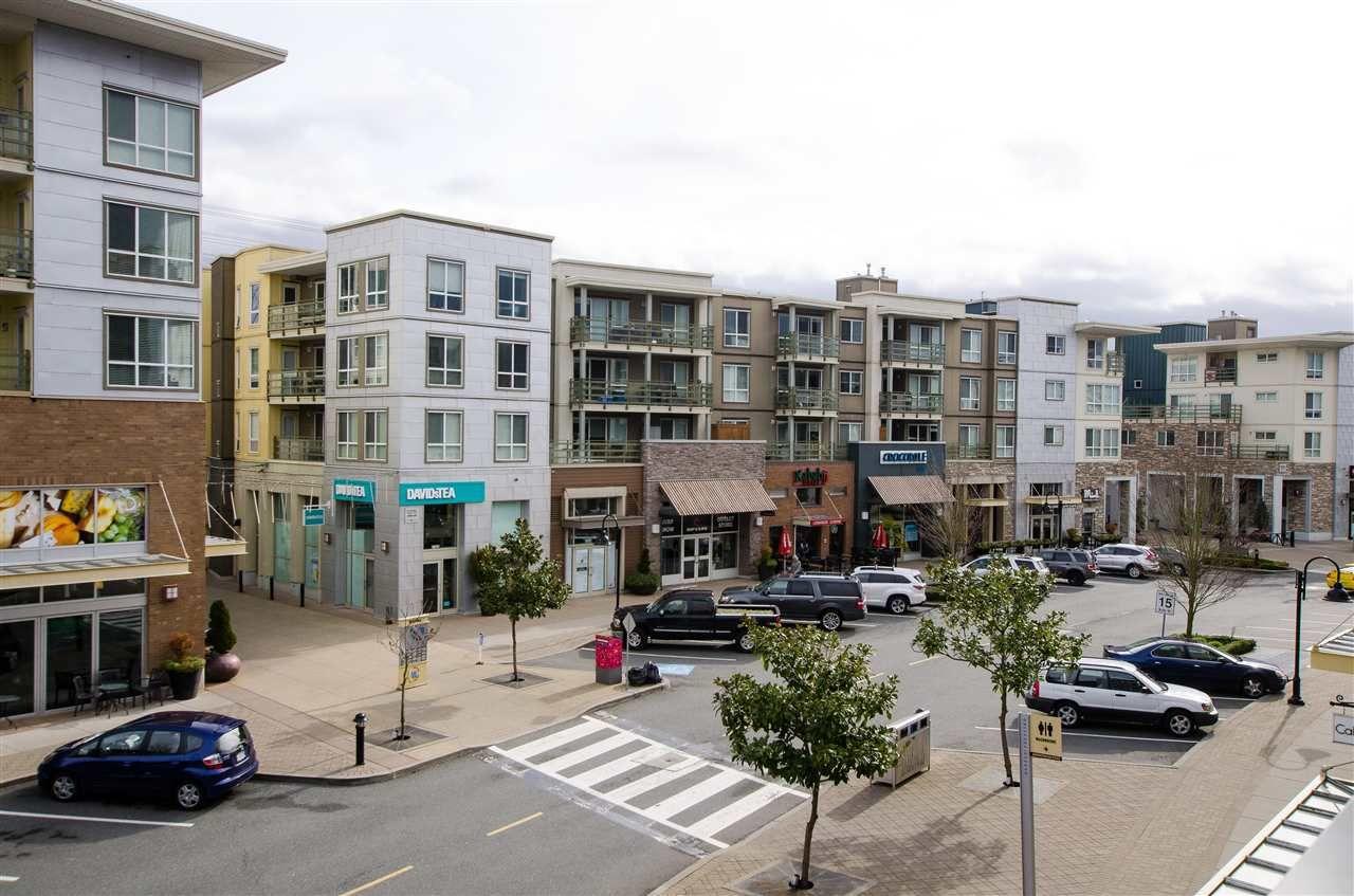 Main Photo: 205 15735 CROYDON DRIVE in Surrey: Grandview Surrey Condo for sale (South Surrey White Rock)  : MLS®# R2256354