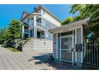 """Photo 1: 30 123 SEVENTH Street in New Westminster: Uptown NW Townhouse for sale in """"Royal City Terraces"""" : MLS®# R2052771"""