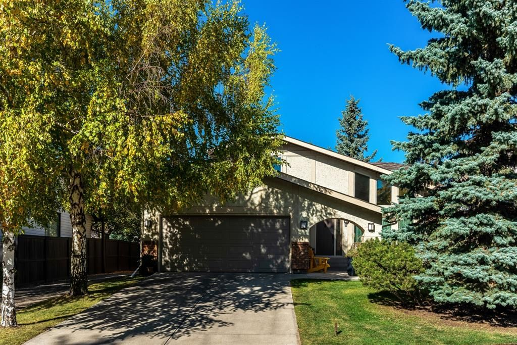Photo 1: Photos: 84 WOODBROOK Close SW in Calgary: Woodbine Detached for sale : MLS®# A1037845