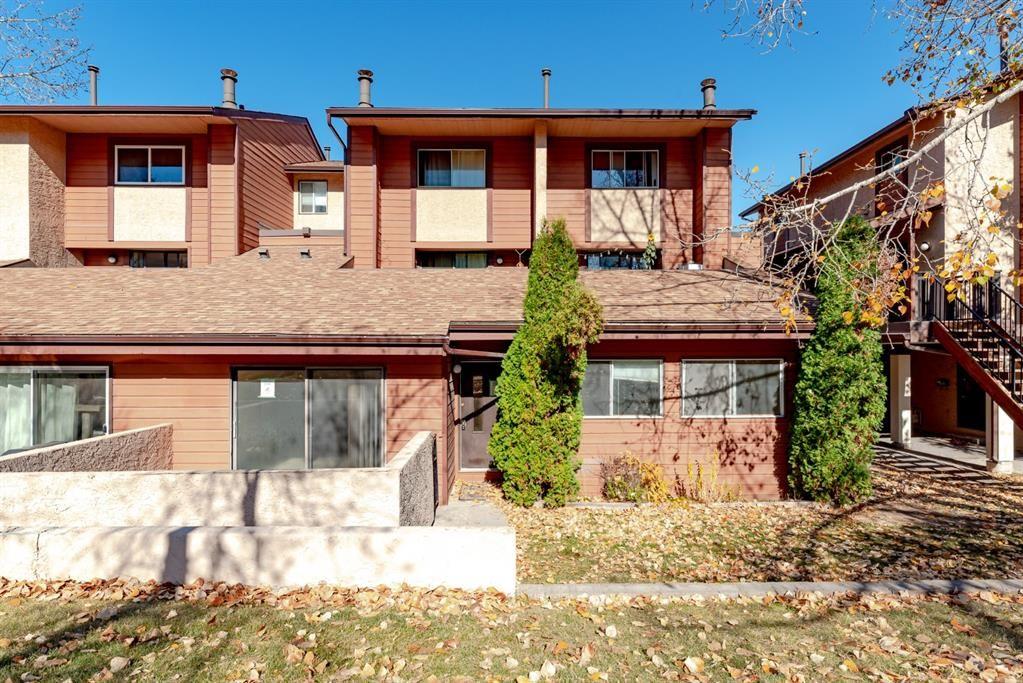 Main Photo: 1704 2520 Palliser Drive SW in Calgary: Oakridge Row/Townhouse for sale : MLS®# A1152877