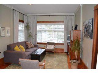 Photo 2: 21 E 17TH AV in Vancouver: Main House for sale (Vancouver East)  : MLS®# V1046618