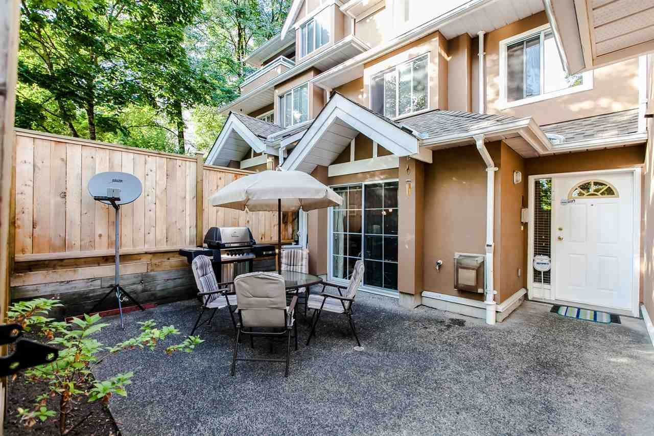 """Main Photo: 18 7488 SALISBURY Avenue in Burnaby: Highgate Townhouse for sale in """"WINSTON GARDENS"""" (Burnaby South)  : MLS®# R2197419"""