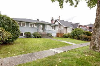 Photo 33: 3825 DUNDAS Street in Burnaby: Vancouver Heights House for sale (Burnaby North)  : MLS®# R2517776