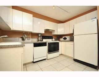 "Photo 6: 720 2012 FULLERTON Avenue in North_Vancouver: Pemberton NV Condo for sale in ""Woodcroft"" (North Vancouver)  : MLS®# V782754"