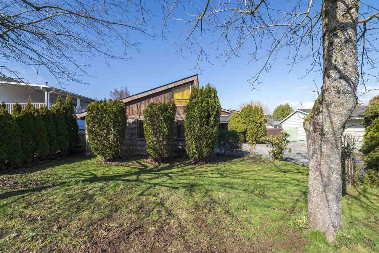 Main Photo: 5547 49 Avenue in Delta: Hawthorne House for sale (Ladner)  : MLS®# R2560141