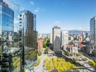 """Photo 2: 2605 1068 HORNBY Street in Vancouver: Downtown VW Condo for sale in """"THE CANADIAN AT WALL CENTRE"""" (Vancouver West)  : MLS®# R2585193"""