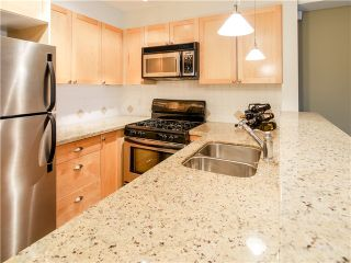 Photo 2: 203 3637 W 17TH Avenue in Vancouver: Dunbar Condo for sale (Vancouver West)