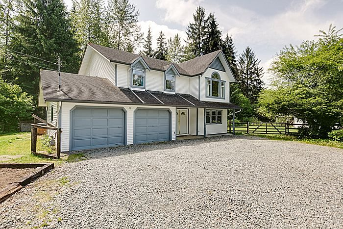 Main Photo: 25990 116TH Avenue in Maple Ridge: Websters Corners House for sale : MLS®# V1097441