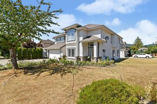 Photo 2: 33777 VERES TERRACE in Mission: Mission BC House for sale : MLS®# R2608825