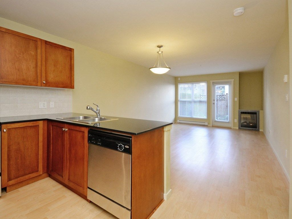 Photo 11: Photos: 213 315 KNOX Street in New Westminster: Sapperton Condo for sale : MLS®# R2232831