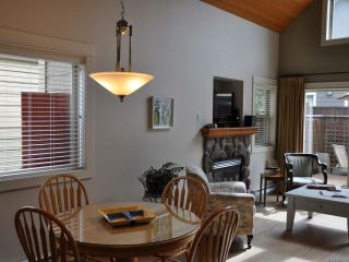 Photo 4: 151 1080 RESORT DRIVE in PARKSVILLE: PQ Parksville Row/Townhouse for sale (Parksville/Qualicum)  : MLS®# 809247