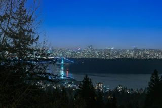 Main Photo: 2548 WESTHILL Close in West Vancouver: Westhill House for sale : MLS®# R2558784