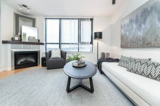 """Photo 9: 1705 1 RENAISSANCE Square in New Westminster: Quay Condo for sale in """"The Q"""" : MLS®# R2623606"""