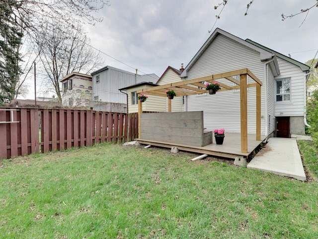 Photo 19: Photos: 131 Coleridge Avenue in Toronto: Woodbine-Lumsden House (Bungalow) for sale (Toronto E03)  : MLS®# E4120444