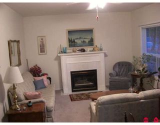 """Photo 9: 34224 FRASER Street in Abbotsford: Central Abbotsford House for sale in """"QUIET FRASER ST."""" : MLS®# F2831972"""