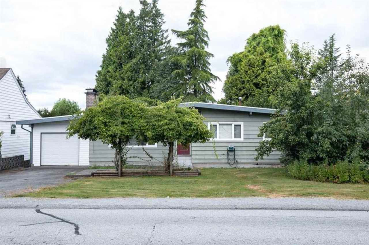 Main Photo: 822 POIRIER Street in Coquitlam: Harbour Place House for sale : MLS®# R2580513