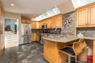 """Photo 6: 1246 OXFORD Street: White Rock House for sale in """"HILLSIDE"""" (South Surrey White Rock)  : MLS®# R2615976"""