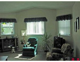 """Photo 3: 81 1840 160 Street in Surrey: King George Corridor Manufactured Home for sale in """"BREAKAWAY BAYS"""" (South Surrey White Rock)  : MLS®# F2721766"""