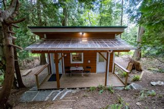Photo 1: 4617 Ketch Rd in : GI Pender Island House for sale (Gulf Islands)  : MLS®# 876421