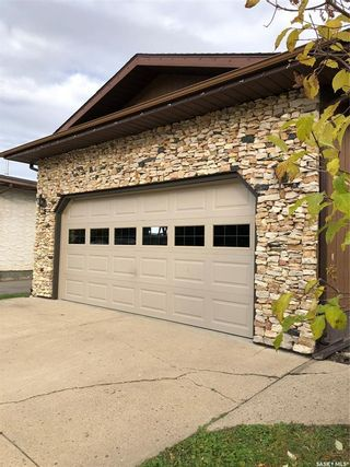 Photo 2: 107 FINLAY Place in Nipawin: Residential for sale : MLS®# SK829016