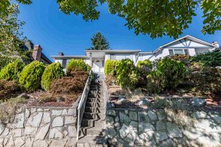 Photo 2: 7957 ELLIOTT Street in Vancouver: Fraserview VE House for sale (Vancouver East)  : MLS®# R2532901