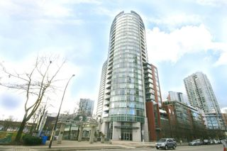 Photo 1: 802 58 KEEFER PLACE in Vancouver West: Home for sale : MLS®# R2142368