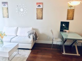 """Photo 3: 710 1088 RICHARDS Street in Vancouver: Yaletown Condo for sale in """"Richards Living"""" (Vancouver West)  : MLS®# R2349020"""