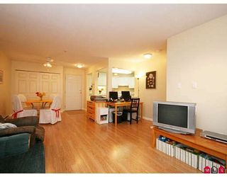 """Photo 4: 205 20189 54TH Avenue in Langley: Langley City Condo for sale in """"CATALINA GARDENS"""" : MLS®# F2900010"""