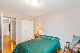 """Photo 12: 307 2025 W 2ND Avenue in Vancouver: Kitsilano Condo for sale in """"THE SEABREEZE"""" (Vancouver West)  : MLS®# R2620558"""