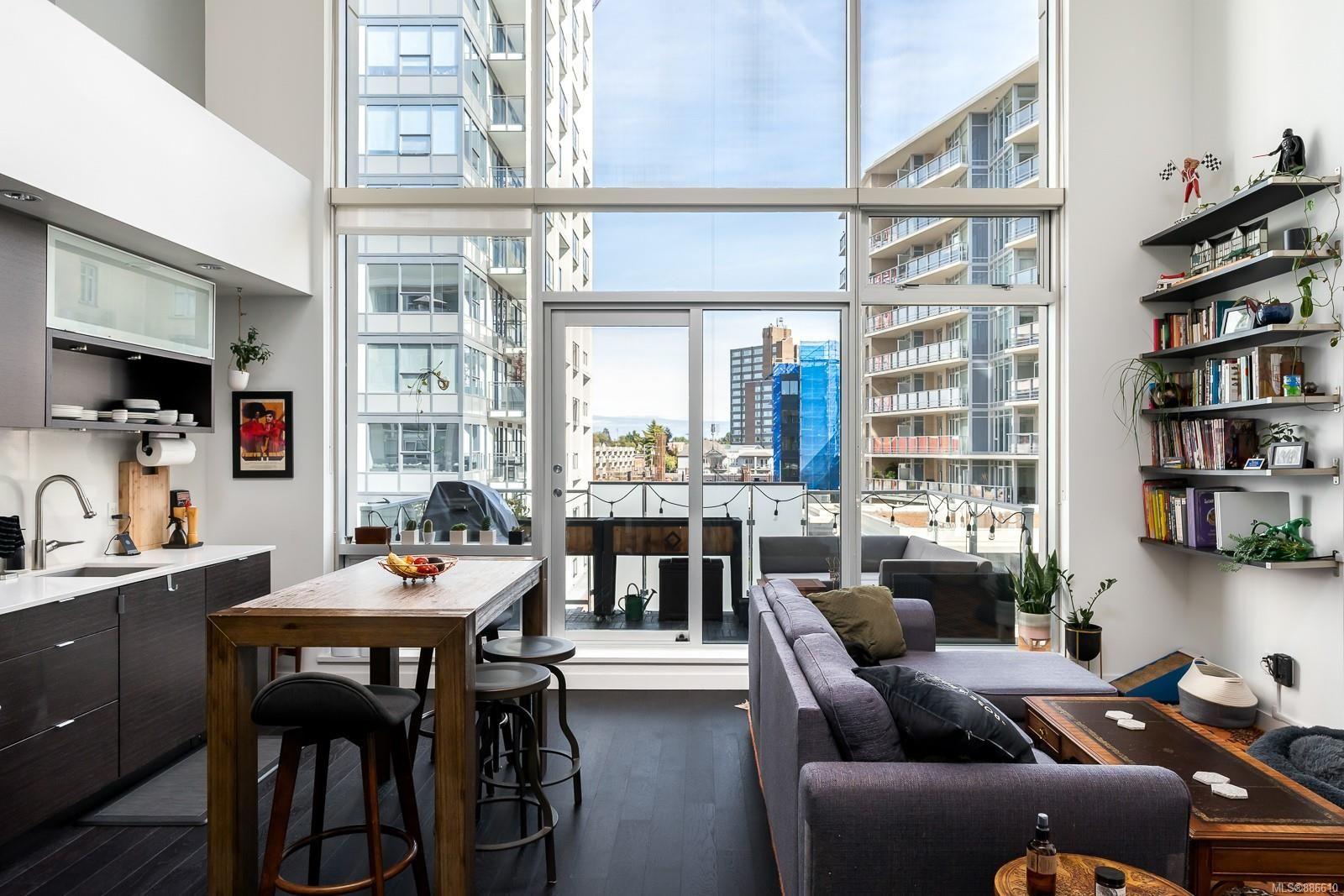 Main Photo: 439 770 Fisgard St in Victoria: Vi Downtown Condo for sale : MLS®# 886610
