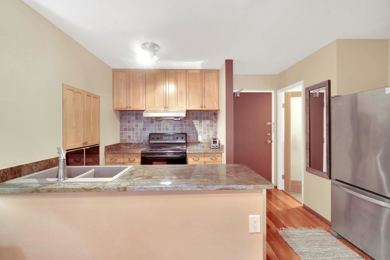 Main Photo: 903 950 DRAKE Street in Vancouver: Downtown VW Condo for sale (Vancouver West)  : MLS®# R2625681