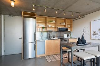 """Photo 12: 508 1540 W 2ND Avenue in Vancouver: False Creek Condo for sale in """"WATERFALL"""" (Vancouver West)  : MLS®# R2594378"""