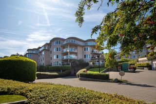 Photo 2: 3101 2829 Arbutus Rd in Saanich: SE Ten Mile Point Condo for sale (Saanich East)  : MLS®# 833257