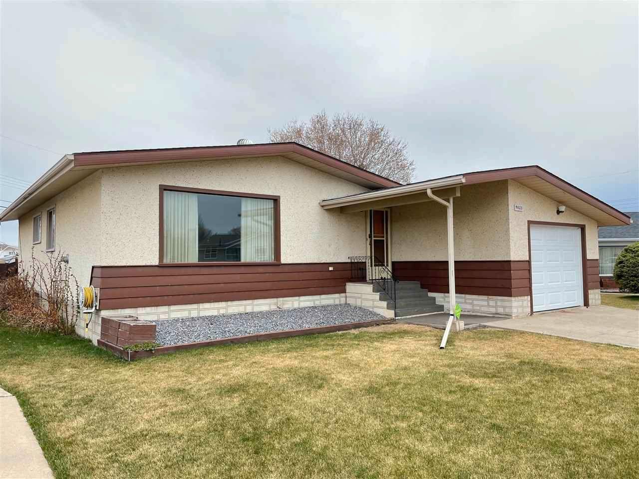 Main Photo: 9823 96 Street: Westlock House for sale : MLS®# E4242116