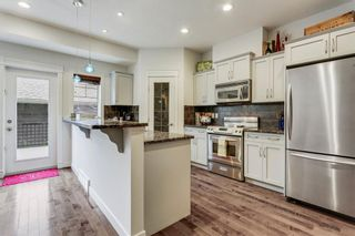 Photo 6: 2 528 34 Street NW in Calgary: Parkdale Row/Townhouse for sale : MLS®# C4267517
