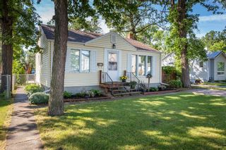 Photo 1: 190 Stranmillis Avenue in Winnipeg: Residential for sale (2D)  : MLS®# 1918139