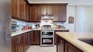 Photo 8: 11 Pelee Avenue in Vaughan: Kleinburg House (2-Storey) for sale : MLS®# N4988195