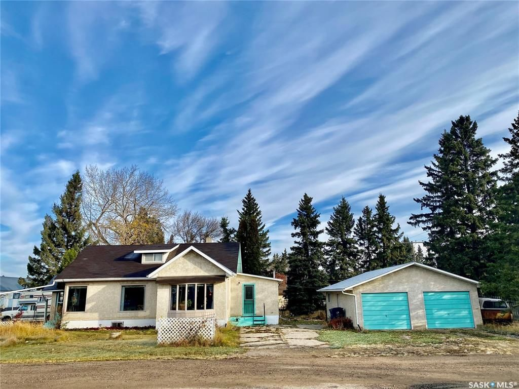 Main Photo: 200 Orton Street in Cut Knife: Residential for sale : MLS®# SK872267