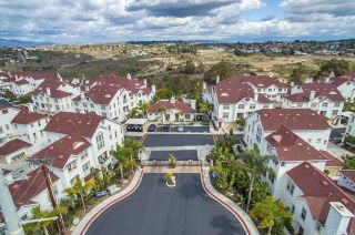 Photo 3: Townhouse for sale : 3 bedrooms : 825 Harbor Cliff Way #269 in Oceanside