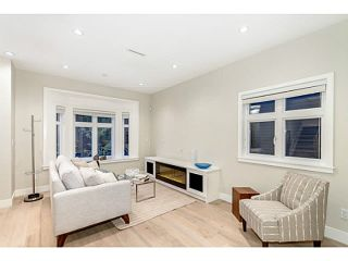Photo 2: 1276 E 14TH Avenue in Vancouver: Mount Pleasant VE 1/2 Duplex for sale (Vancouver East)  : MLS®# V1085229