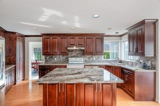 Photo 4: 1378 CAMBRIDGE Drive in Coquitlam: Central Coquitlam House for sale : MLS®# R2564045