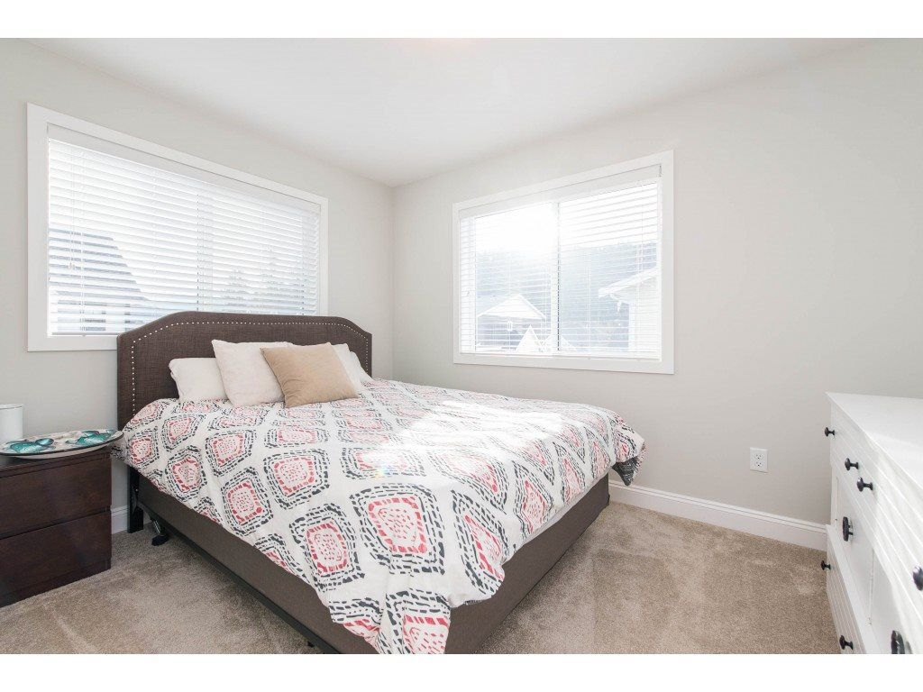 """Photo 20: Photos: 5488 DRIFTWOOD Street in Chilliwack: Vedder S Watson-Promontory Condo for sale in """"WEBSTER CROSSING"""" (Sardis)  : MLS®# R2527096"""