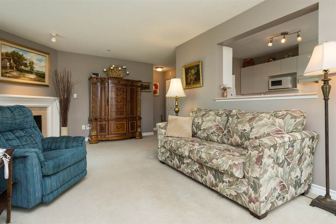 """Photo 7: Photos: 201 15130 29A Avenue in Surrey: King George Corridor Condo for sale in """"The Sands"""" (South Surrey White Rock)  : MLS®# R2161626"""