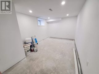 Photo 2: 63 E 36TH Street in Hamilton: Commercial for lease : MLS®# 40125654