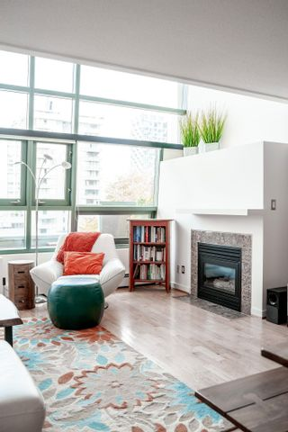 """Photo 4: PH3 1688 ROBSON Street in Vancouver: West End VW Condo for sale in """"Pacific Robson Palais"""" (Vancouver West)  : MLS®# R2617643"""
