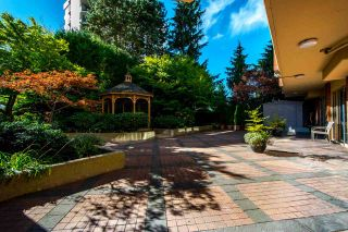 """Photo 33: 1001 160 W KEITH Road in North Vancouver: Central Lonsdale Condo for sale in """"VICTORIA PARK WEST"""" : MLS®# R2115638"""